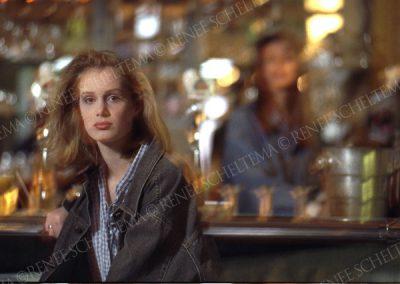 Model in bar